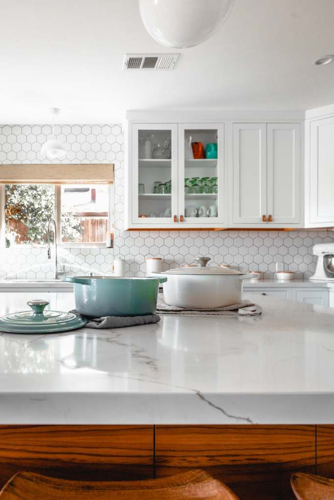Key Components of a Mellow Beach Kitchen
