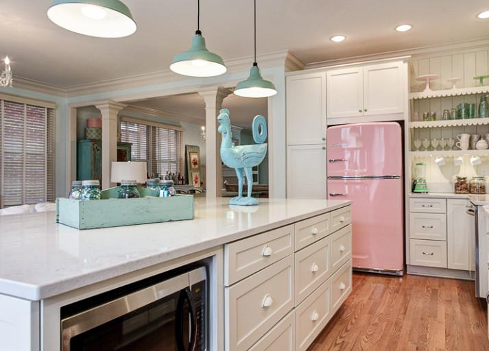 Big Chill retro kitchen in Pink Lemonade