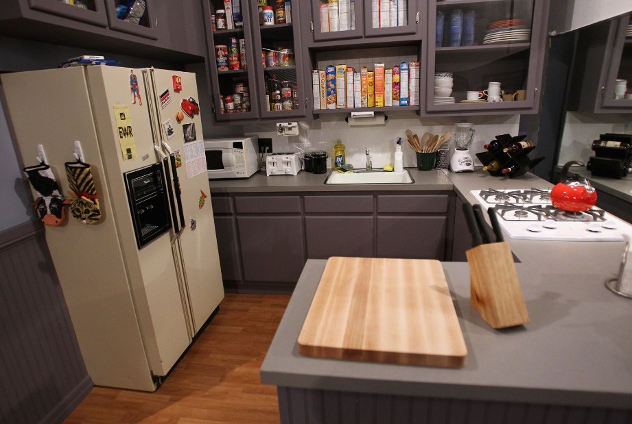 Seinfeld Kitchen Cabinets - Name That Famous Tv Movie ...