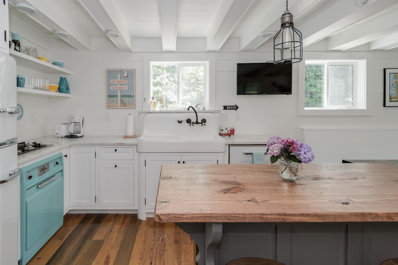 Farmhouse Kitchen - South Haven, MI