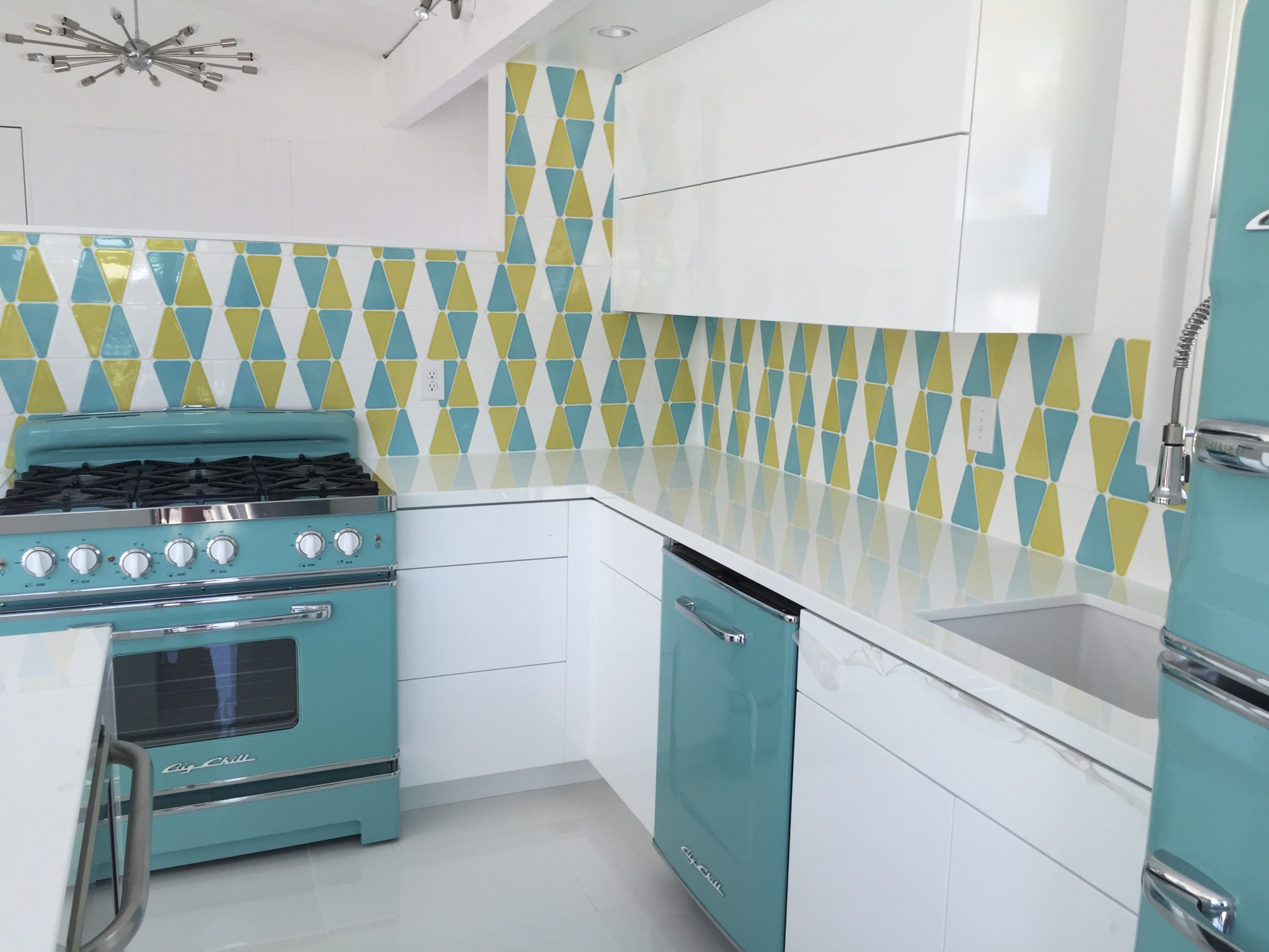 13 Must See Retro Big Chill Kitchen Layouts