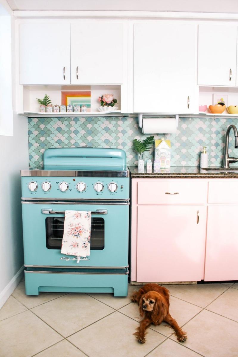 30″ Retro Stove in Custom Color 6034 Pale Turquoise