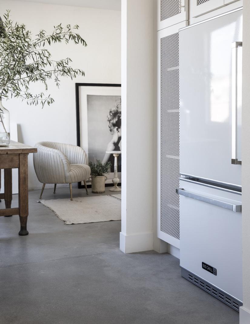 Pro Refrigerator in Classic White