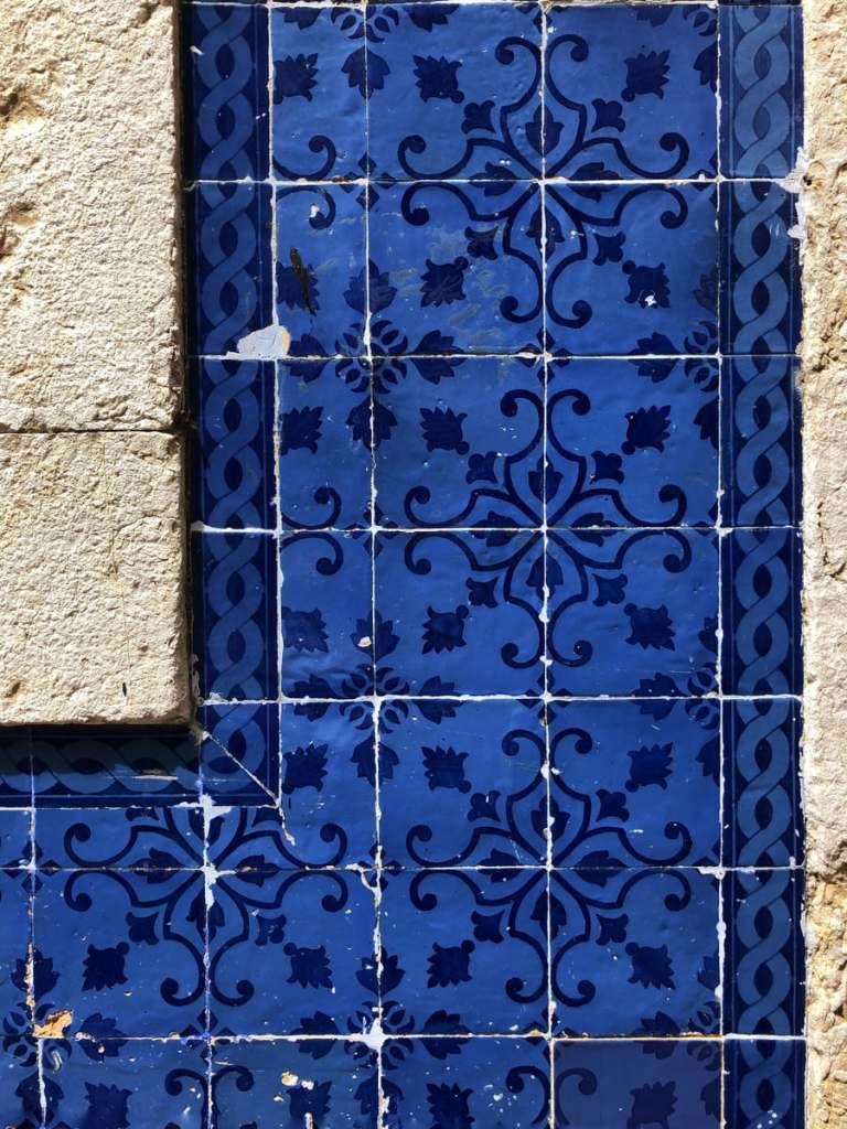 Backsplash in Cobalt Blue